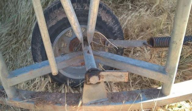 Close up of the field bin lifting mechanism